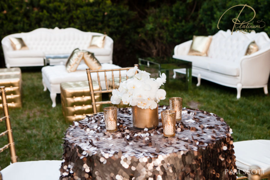 cocktail-hour-centerpiece-and-lounge